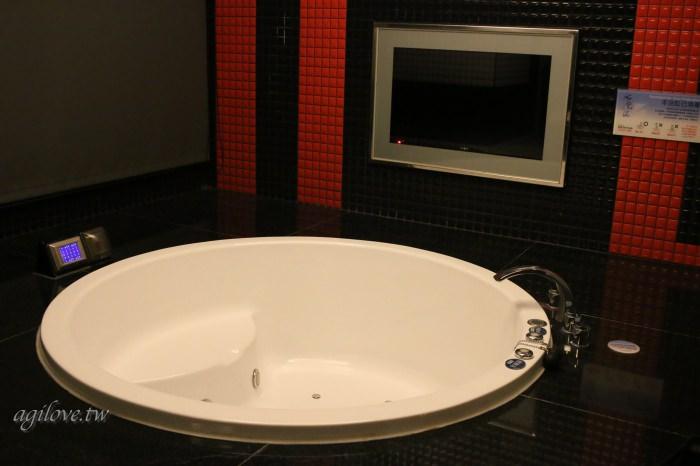 水雲端旗艦概念旅館-房間浴室內拍攝