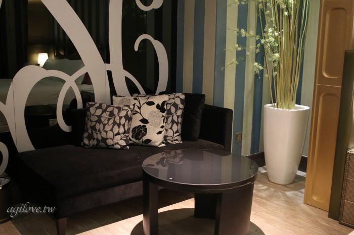 水雲端旗艦概念旅館-房間角落小沙發